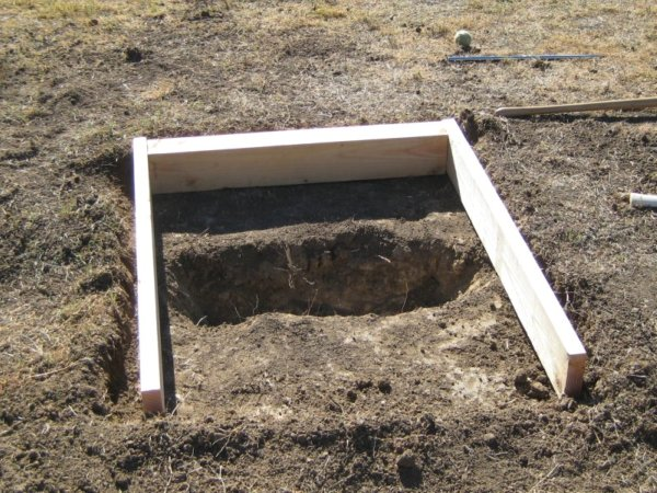 Horseshoe Pit Dug-Out